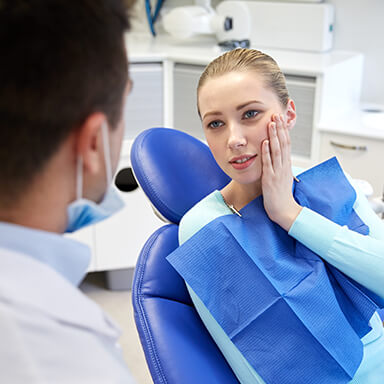 An emergency dentistry patient at Dr. Mohr's Long Island dental practice